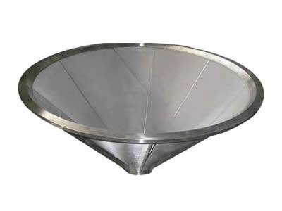 Cone-shape sintered filter element for better separation and filtration